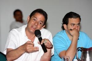 El Jefe de Cambio Radical en la cumbre de su partido en Cartagena. Cortesia del periódico Universal.
